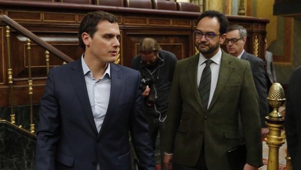 Hemeroteca: PSOE y C?s preguntarán sobre empleo a Rajoy y Podemos opta por el silencio | Autor del artículo: Finanzas.com