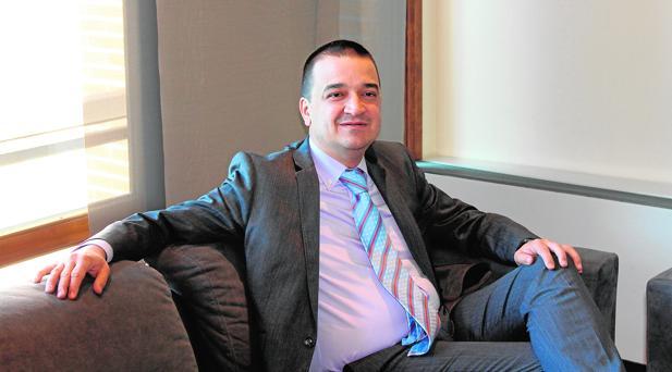 El consejero de Agricultura, Medio Ambiente y Desarrollo Rural durante la entrevista