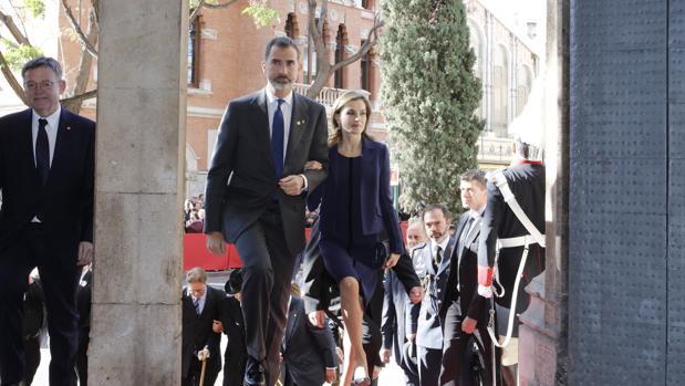 Los Reyes Don Felipe VI y Doña Letizia, esta mañana en Valencia