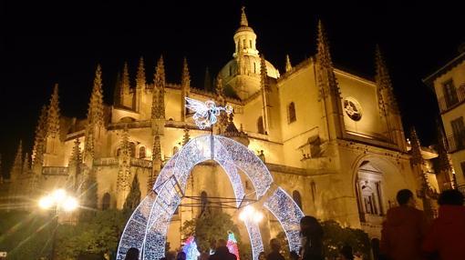 12b493a9936 Nacimiento junto a la Catedral de Segovia