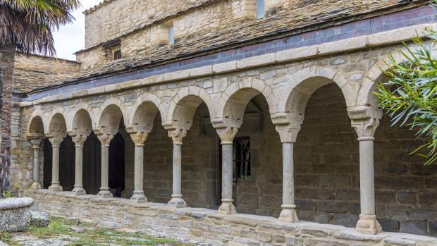 Zona del claustro de la catedral de Roda (Huesca) que acaba de ser restaurada