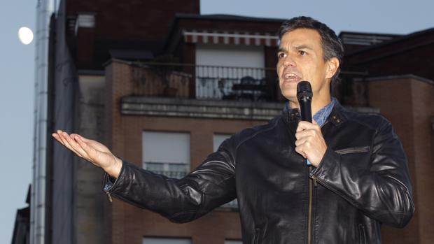 Pedro Sánchez ha criticado la actuación de la Gestora en su acto en Asturias