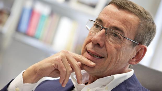 Hemeroteca: Toma posesión el senador del Partido Popular que sustituye a Rita Barberá   Autor del artículo: Finanzas.com