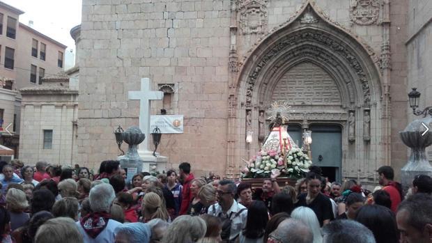 Concetración de protesta para impedir el traslado de la cruz