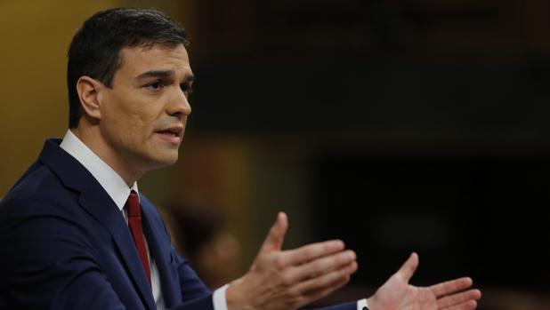 Pedro Sánchez, durante el debate de investidura al que se presentó