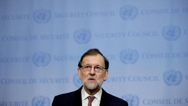 Rajoy a las tropas por navidad son ustedes un valor for Accion educativa espanola en el exterior
