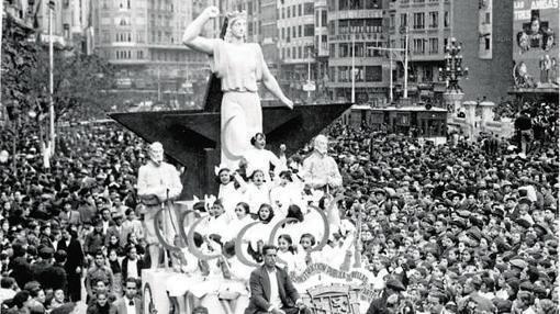 Imagen de la cabalgata de 1937 celebrada en Valencia
