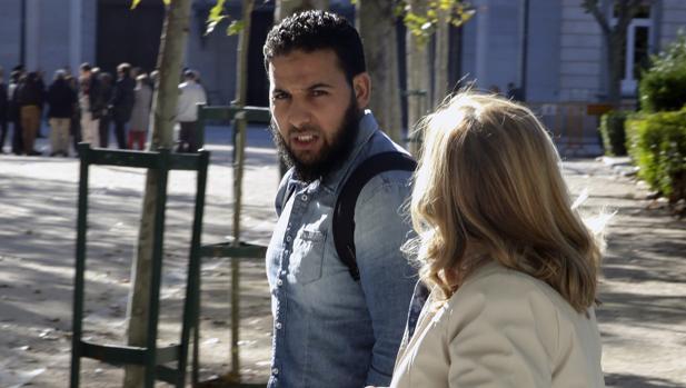 El yihadista condenado en Bilbao recibe del Gobierno vasco 875 euros de ayudas