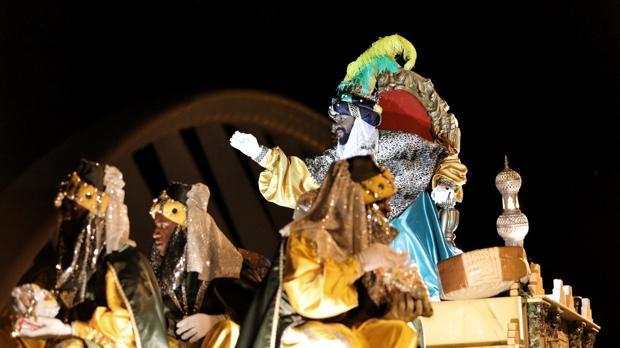Reyes 2017 cabalgata de reyes magos de valencia un for Cabalgata ciudad jardin sevilla 2016