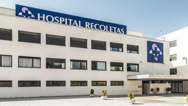 Entrada al Hospital Recoletas de Cuenca