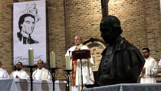El arzobispo presidió la celebración en la iglesia de Santa Teresa