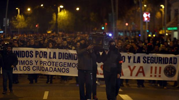 Hemeroteca: La Policía protesta contra la 'impunidad delictiva' de la CUP | Autor del artículo: Finanzas.com