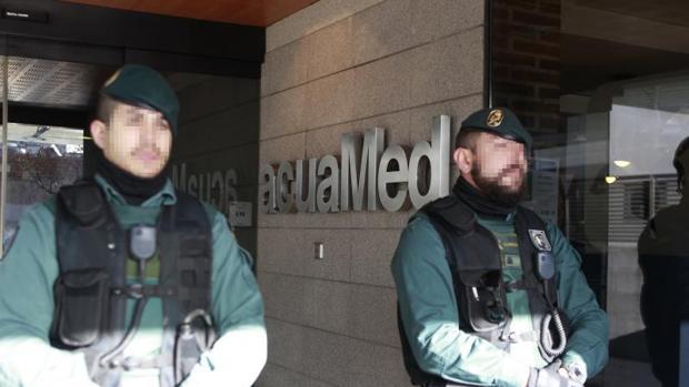La Guardia Civil registró la sede de Aguas de las Cuencas Mediterráneas, Acuamed, en enero de 2016