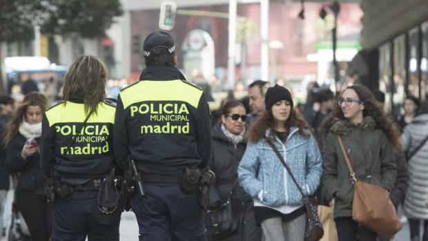 La Policía Nacional patrulla por el Centro de Madrid