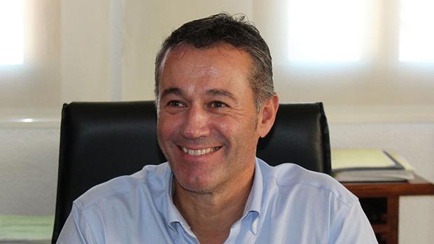Imagen del alcalde de Xeraco, Francesc Serralta (Compromís)
