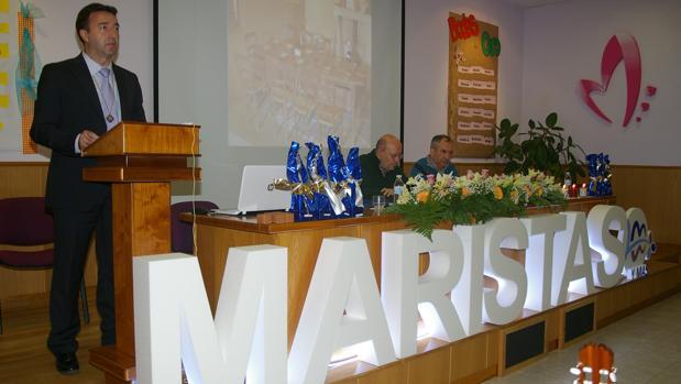 Tomás Briongos dirige unas palabras a los asistentes a los actos en Salamanca
