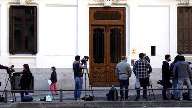 El juez reabre la causa contra el socio de oleguer pujol y for Oficina registro madrid