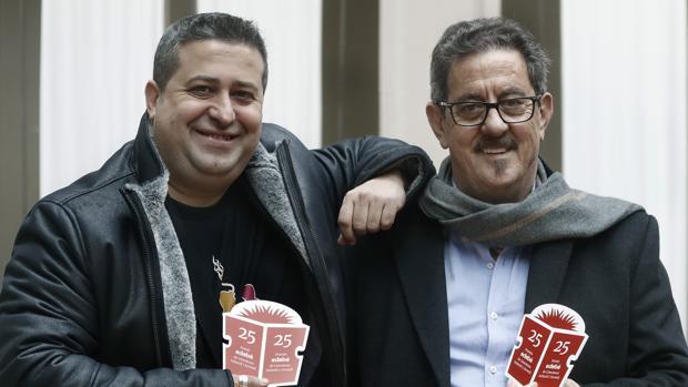 Ricard Ruiz Garzón y Francisco Díaz Valladares, tras recoger los galardones