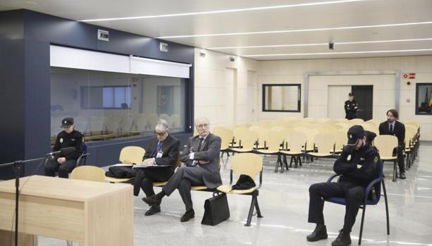 La Audiencia Nacional juzgó en febrero al expresidente de Caja Castilla La Mancha (CCM) Juan Pedro Hernández Moltó y a su exdirector general Ildefonso Ortega por la presunta maniobra contable con las que ocultaron las millonarias pérdidas de la entidad del ejercicio 2008.