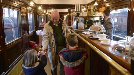 Gastrorail el lujo de comer a bordo un vagón