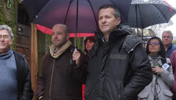El portavoz parlamentario de En Marea, Luís Villares (i), ayer