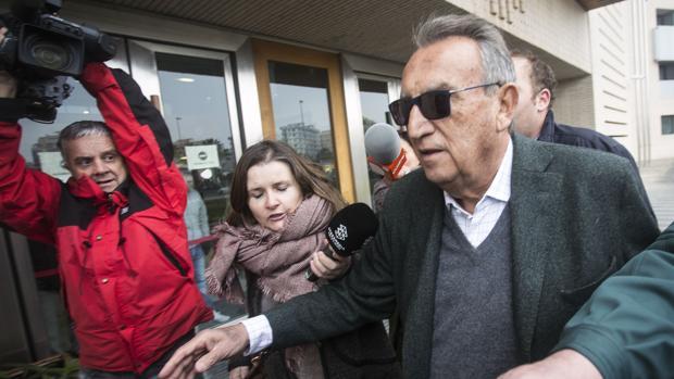 Carlos fabra de la prisi n al juzgado for Juzgados de aranjuez