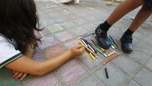 Las llamas al telefóno contra el acoso escolar superan las 5.500 en España en tres meses de funcionamiento