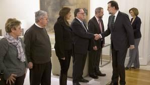 Rajoy, a las víctimas del Yak-42: «Comparto vuestro dolor, las cosas se van a hacer bien»