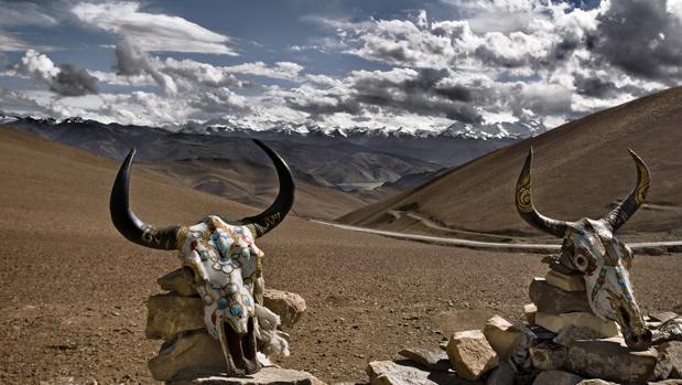 La cordillera del Himalaya vista desde el Paso de Gyalwu La (Tíbet)