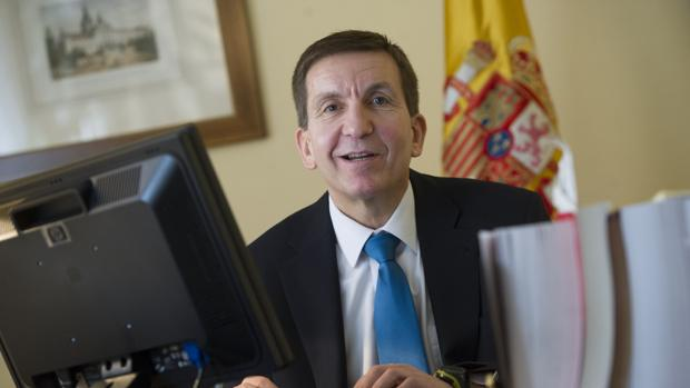 Manuel Moix se perfila como sucesor de Antonio Salinas en la Fiscalía Anticorrupción