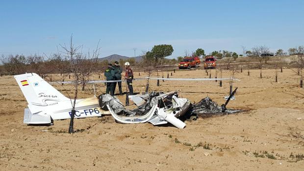 Mueren los dos ocupantes de una avioneta al estrellarse en - Foro de sonseca ...