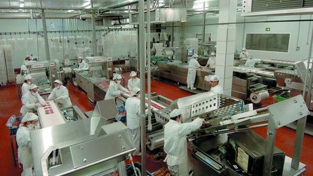 Instalaciones de procesado cárnico del grupo Guissona en su planta leridana