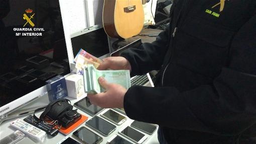 Dinero en efectivo intervenido en la operación
