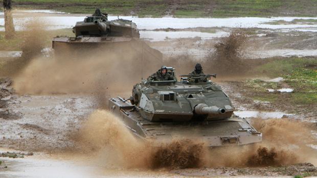 Carros de combate Leopard 2E de la Brigada de Infantería Mecanizada «Extremadura» XI