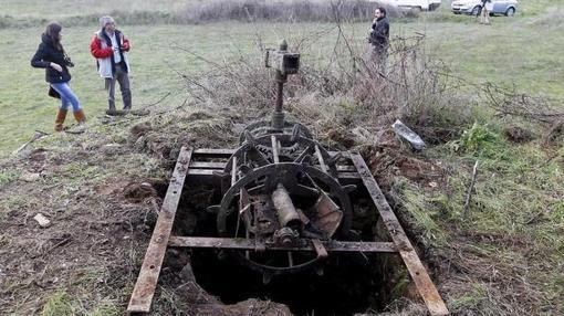 El pozo de la finca donde han aparecido los restos de las dos víctimas en San Vicente de la Cabeza (Zamora)