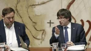 El TC advierte a Puigdemont de los efectos penales de una nueva consulta