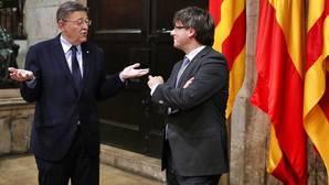 Puigdemont mantiene en su agenda el acto en Valencia del 2 de marzo ya que no le consta la ausencia de Puig
