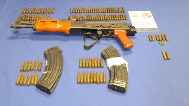Arma y munición intervenida