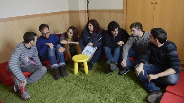 De izq. a dcha., Iván, Ángel, Gema, Laura, Ricardo, Víctor y Udai