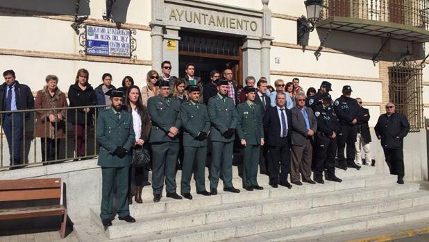 Minuto de silencio, este martes, en el Ayuntamiento de Olías del Rey en memoria del guardia civil Ángel Luis