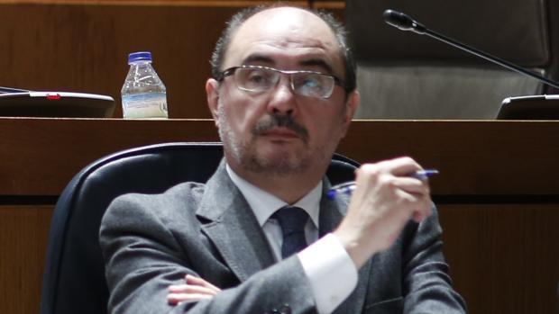 Javier Lambán, durante el Pleno de las Cortes en el que se ha referido a las expropiaciones para Guissona