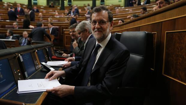 El presidente del Gobierno, Mariano Rajoy, en el Pleno del Congreso