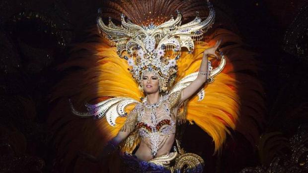 Judith López, reina del Carnaval de Santa Cruz de Tenerife