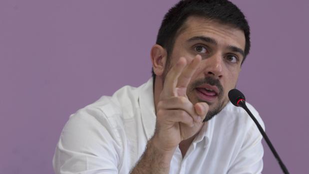 Ley del silencio en Podemos sobre la tarjeta «black» de Espinar (padre)