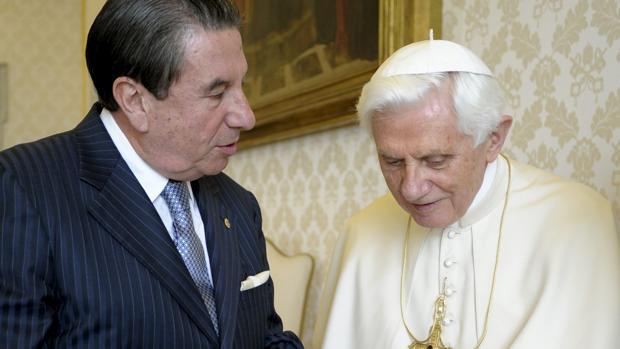 Vázquez: «La izquierda ha vuelto al anticlericalismo del siglo XIX»