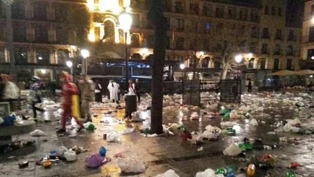 Imagen de cómo quedó la plaza de Zocodover tras las fiesta de carnaval