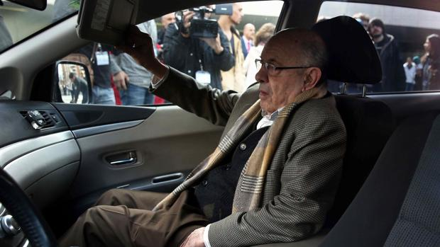 """Millet, accediendo a su coche, tras la segunda sesión de la vista oral del juicio del """"caso Palau"""""""