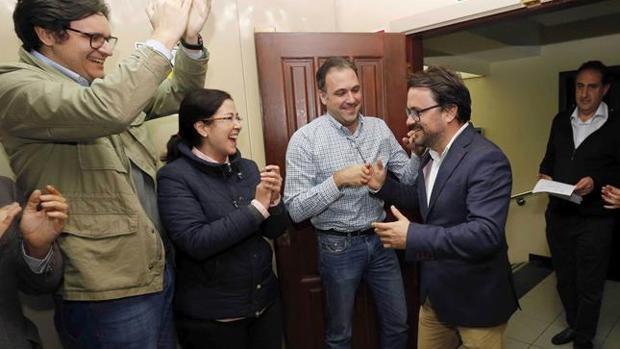 Antona la noche de este jueves en la sede del PP de Canarias