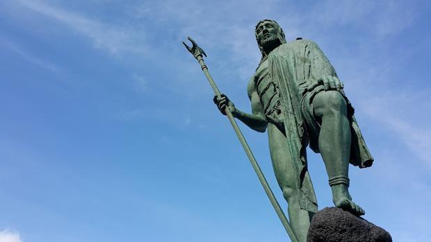 Monumento a un guanche en Tenerife