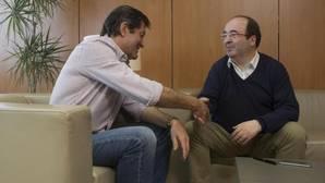 El secretario general del PSC, Miquel Iceta y Javier Fernández durante una reunión en noviembre